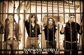 DESDE ESPAÑA: LOS HERMANOS PETRELLI