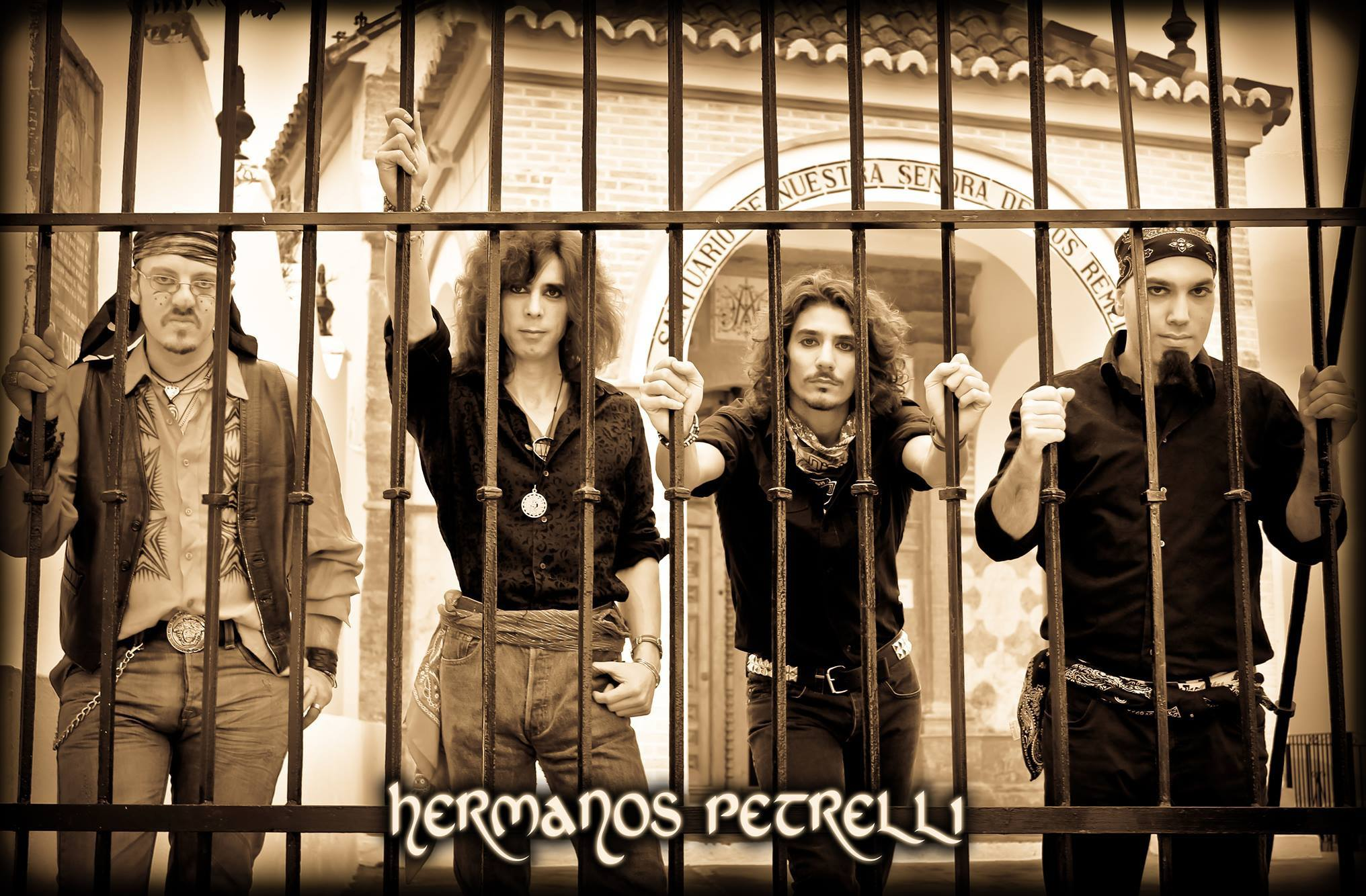 HERMANOS PETRELLI