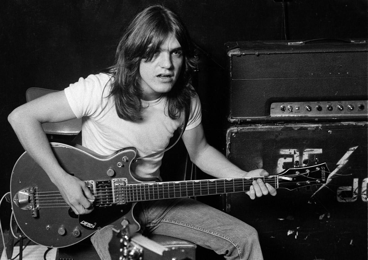FALLECE MALCOLM YOUNG, GUITARRISTA DE AC/DC